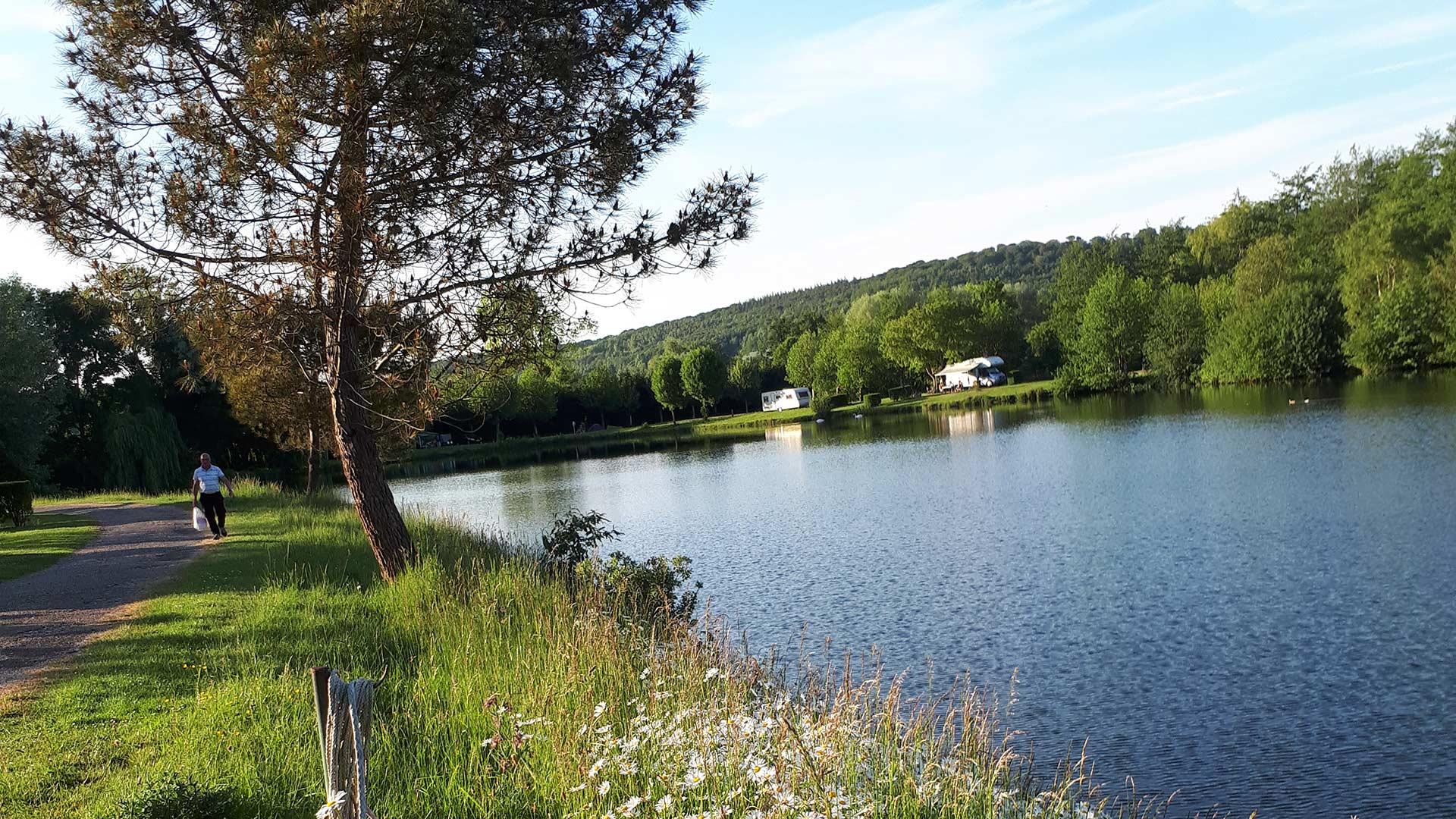 camping en bord de Rivière Martigny