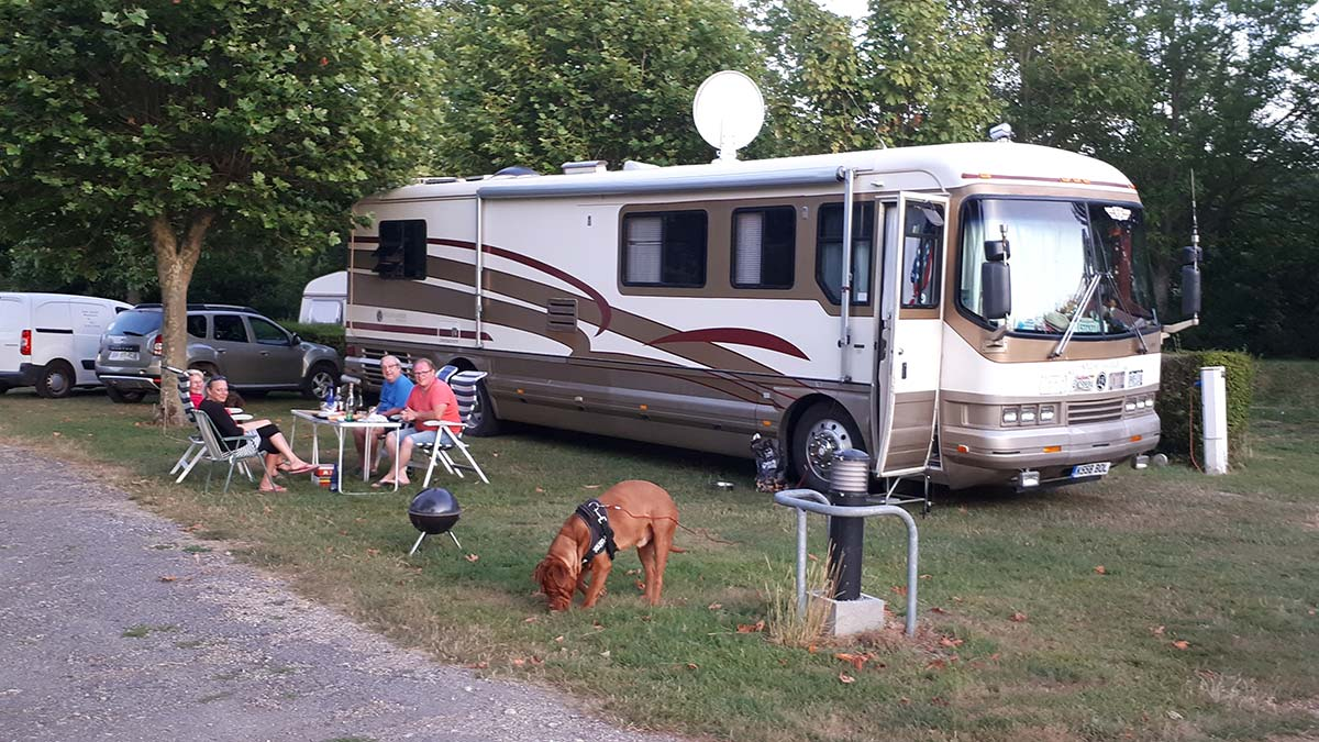 emplacement grand camping-car
